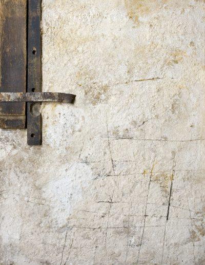 151. Madarasi fal 1990. (90x70 cm) v.t.
