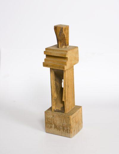 181. Álló figura 1992. (24x7x7 cm) fa