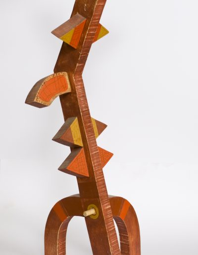 190. Piros figura III. (2007. (54x20x16 cm) festett fa