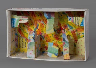 380. festett doboz 2009.(19x32x10,5 cm) papír