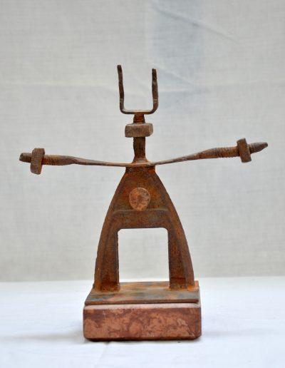 407. Karos figura 1997. (24,5x18x8 cm) vas