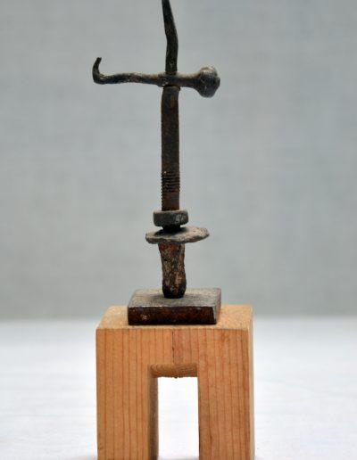410. Cím nélküli, év nélkül (13x5x3,5 cm) vas